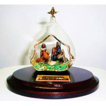 Pesebre De Cristal Celular Con Murralla De Esmeralda