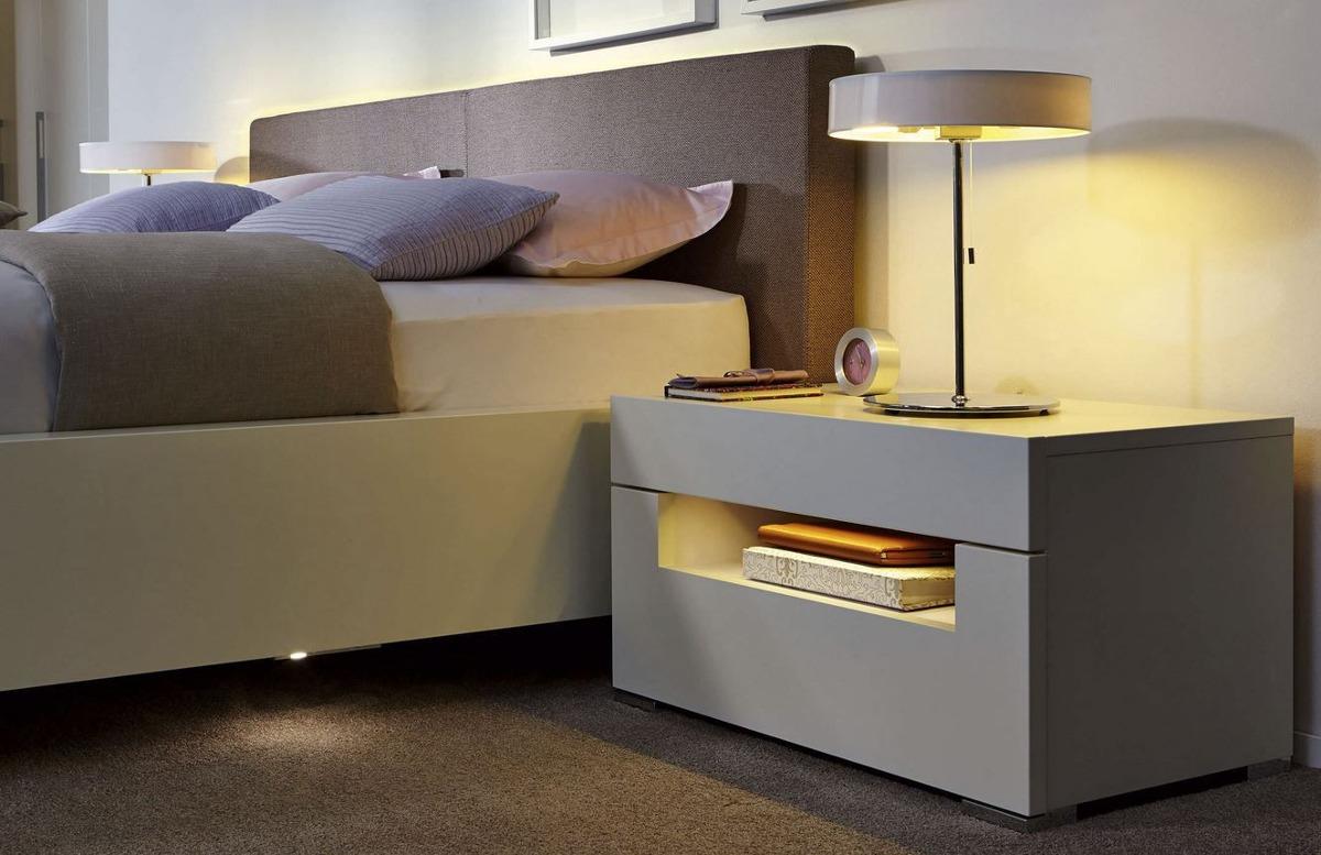 Mesa de noche nochero moderno blanco lacado ref bianca for Diseno de mesa de noche