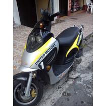 Gp1 De La Um, Color Negra Con Amarillo