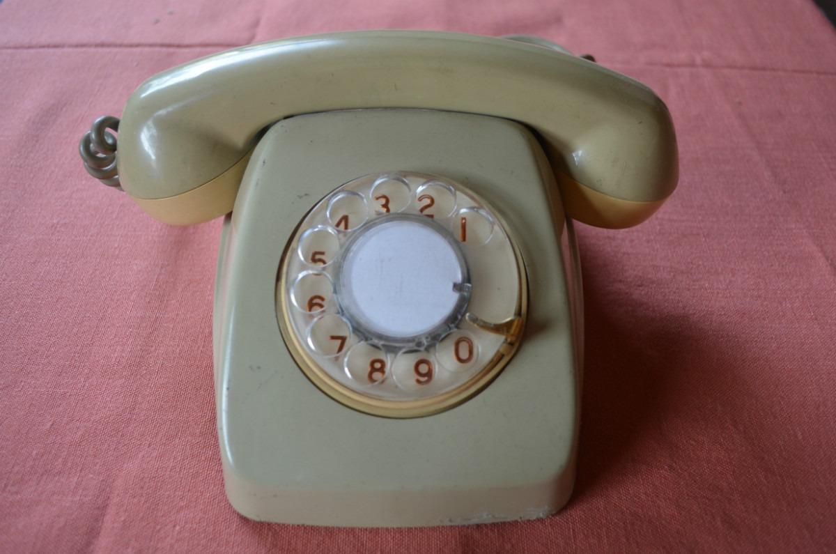 Tu foto y la anterior relacionadas for Mesas para telefono ikea