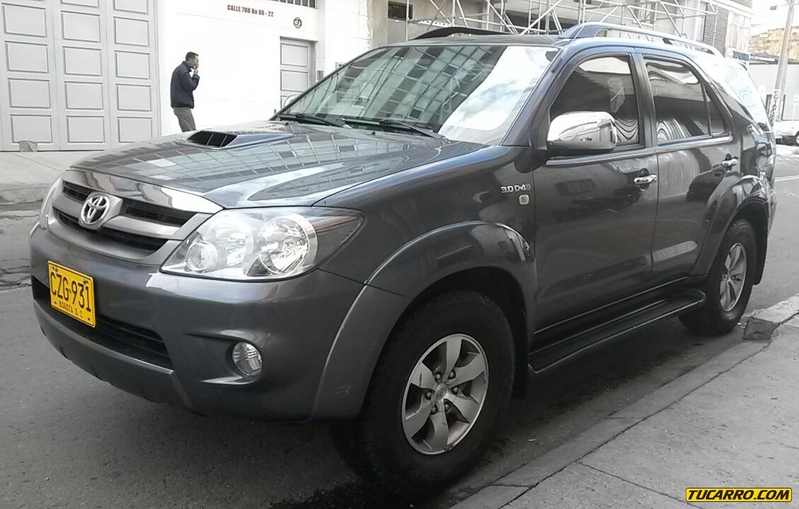 toyota fortuner 2008 a o otros 111500 km. Black Bedroom Furniture Sets. Home Design Ideas